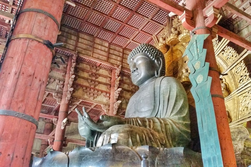 Places to visit in Nara in one day itinerary: Great Buddha at Todaiji Temple. UNESCO world heritage site. Backpacking Japan