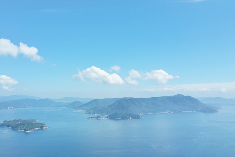Things to do on Miyajima Island in one day itinerary: 3 most scenic views in Japan - Miyajima island Mount Misen hike and ropeway. Backpacking Japan.