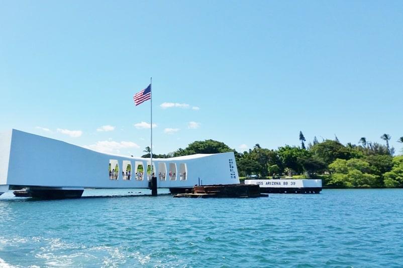 Visit Hiroshima peace memorial park. Things to know about Pearl Harbor Hawaii. USS Arizona memorial. Backpacking Japan.