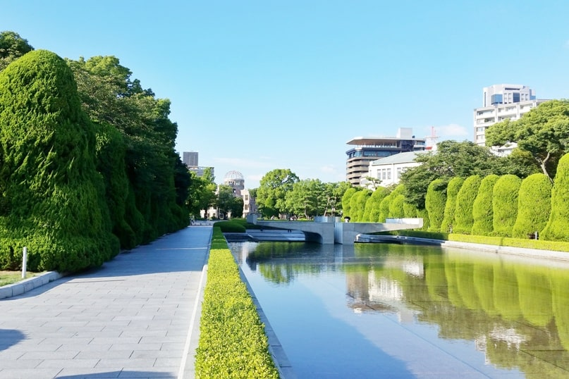 Best things to do in Hiroshima peace memorial park visit. Backpacking Japan.