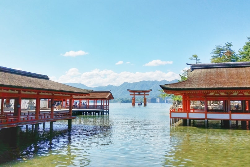 Don't just visit Miyajima at high tide times :: Backpacking