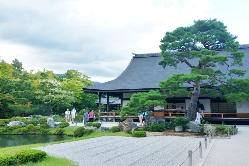Best UNESCO world heritage places to visit in ancient Kyoto. Backpacking Japan