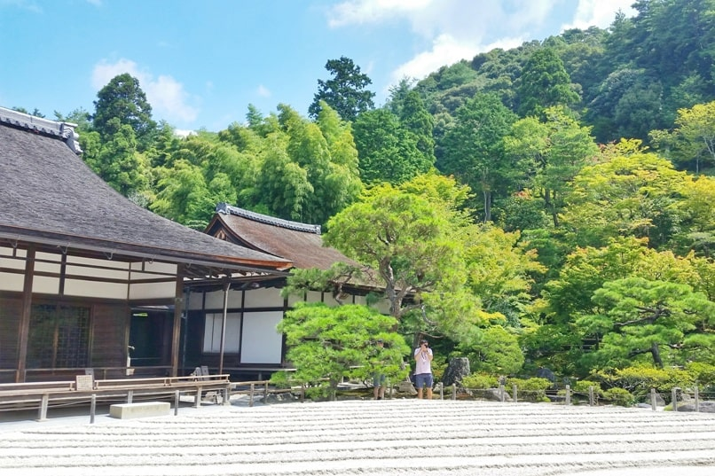 Best UNESCO world heritage sites to visit in Kyoto. Ryoanji Temple. Ginkakuji Temple. Japanese sand garden. Backpacking Japan