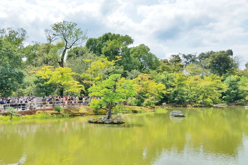 Best UNESCO world heritage sites to visit in Kyoto. Kinkakuji Temple. Golden Pavilion. Japanese garden. Backpacking Japan