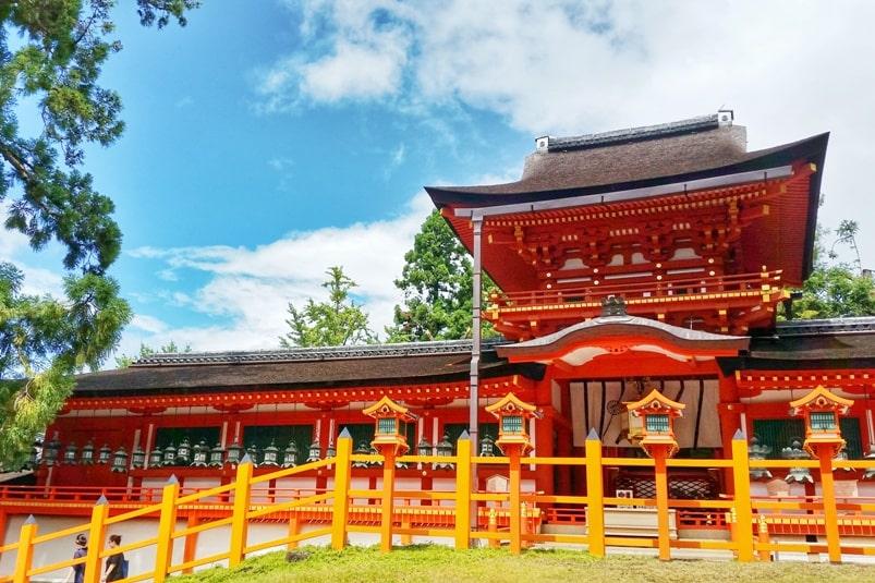 Tokyo to Nara train with JR pass. Best places to visit in Nara: Kasuga taisha shrine. Backpacking Japan.