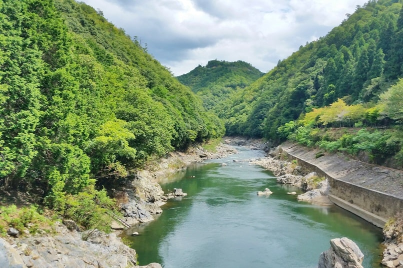 Hozukyo torokko station bridge walk on hozugawa river. One day in Arashiyama and Sagano. Backpacking Kyoto Japan