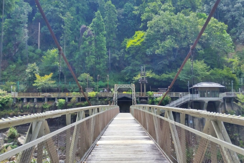 Hozukyo torokko station bridge walk. One day in Arashiyama and Sagano. Backpacking Kyoto Japan