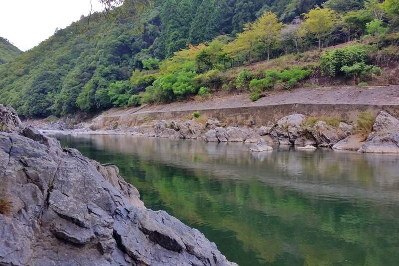 Hozukyo torokko station. Walk to Hozugawa river. One day in Arashiyama and Sagano. Backpacking Kyoto Japan