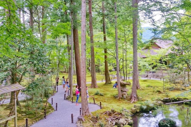 Kurama Kibune Ohara: Visit to Sanzen-in temple, Ohara - japanese gardens. Backpacking Kyoto Japan