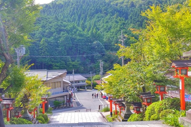 Kyoto to Kurama. How to get to Kurama. Backpacking Kyoto Japan