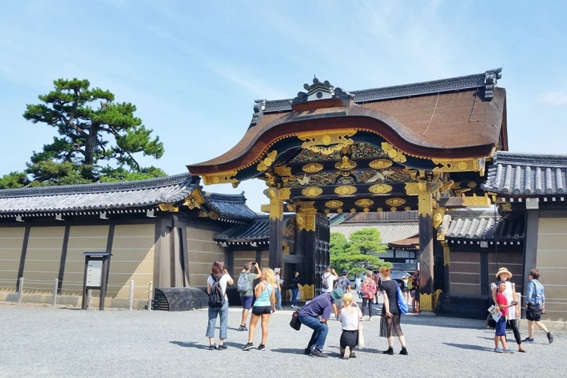 Nijo Castle Teahouse, Kyoto. Kara-mon Gate. Backpacking Kyoto Japan