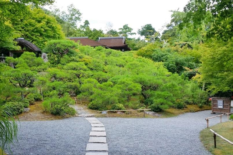 Okochi sanso villa garden teahouse. One day in Arashiyama and Sagano. Backpacking Kyoto Japan