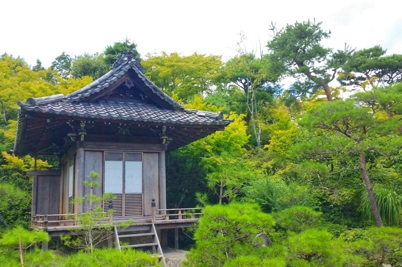 Okochi sanso villa gardens shrine with Japanese gardens in Kyoto. One day in Arashiyama Sagano. Backpacking Kyoto Japan