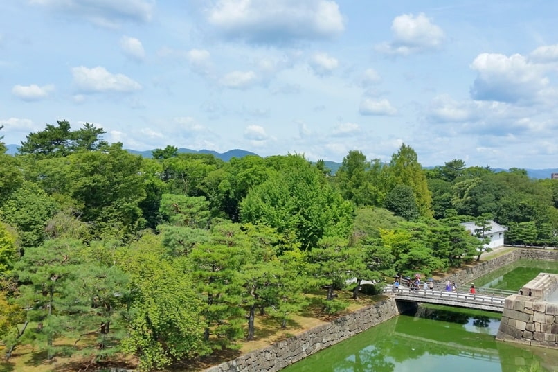 One day in Kyoto with bus pass: Visit to Nijo castle moat. Backpacking Kyoto Japan