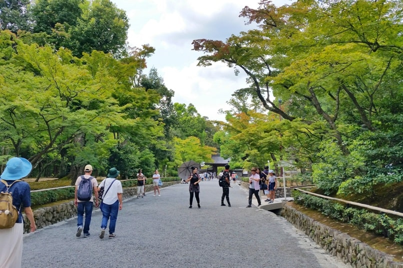 One day in Kyoto with bus pass: Nijo castle to Kinkakuji bus and walk. Backpacking Kyoto Japan