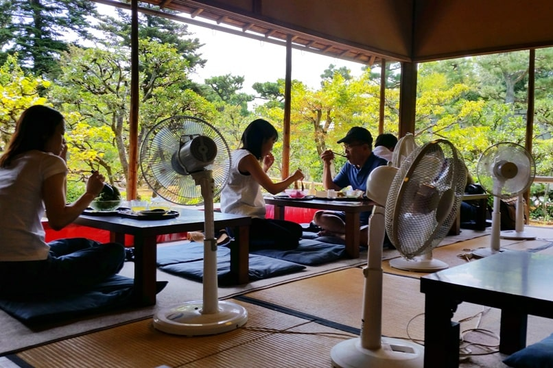 5 days in Kyoto itinerary. Best places to visit in Kyoto in 5 days - nijo castle teahouse for matcha green tea. Backpacking Kyoto travel blog. Kyoto travel guide.