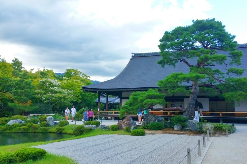 5 days in Kyoto itinerary. Best places to visit in Kyoto in 5 days - Tenryuji temple, unesco world heritage site. Backpacking Kyoto travel blog. Kyoto travel guide.