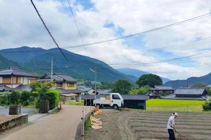Jakko-in from Sanzen-in walk through Ohara village streets. Kyoto day trip. Backpacking Kyoto Japan