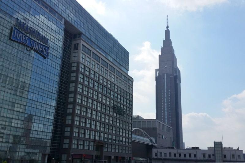 Shinagawa to Shinjuku: Getting around Tokyo by train. shinjuku train station near shinjuku bus terminal. Backpacking Tokyo Japan