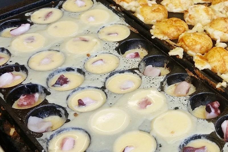Takoyaki, octopus balls - how to make fresh - street food in Japan. Backpacking Japan foodie travel