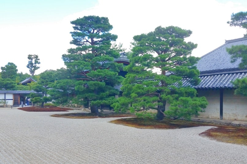 Tenryuji temple and Japanese gardens. One day in Arashiyama and Sagano. Backpacking Japan