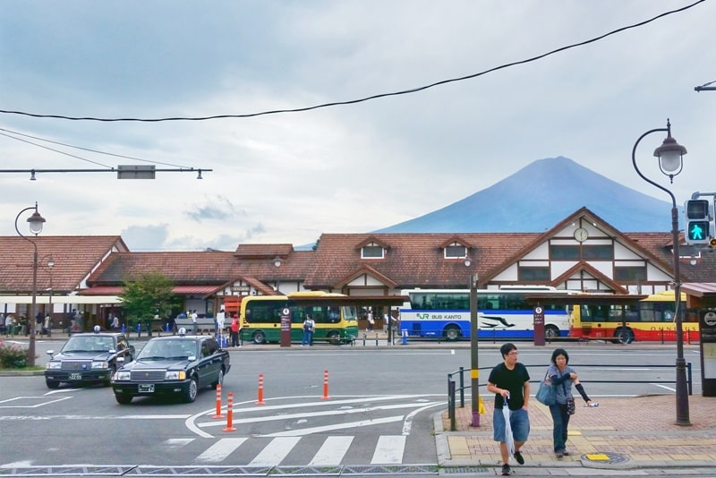 K's house Mt Fuji hostel in Kawaguchiko. Mt fuji views at Kawaguchiko station. Bus from Tokyo or train from Tokyo. Backpacking Japan on a budget for solo travelers and backpackers, cheap accommodation.