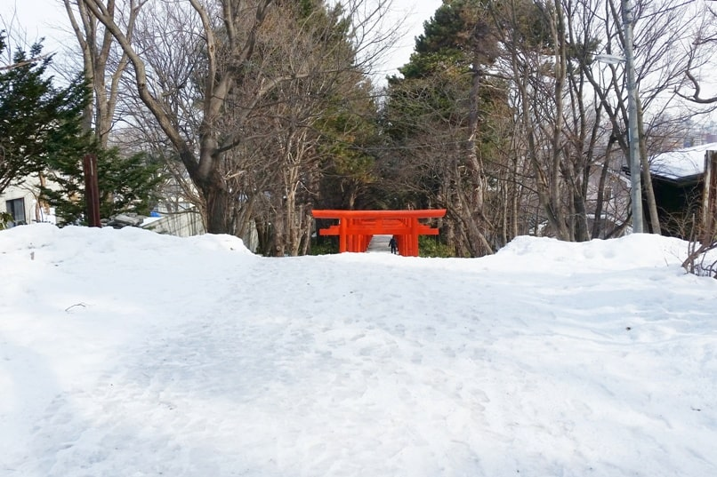 Sapporo fushimi inari shrine in winter. Backpacking Hokkaido Japan