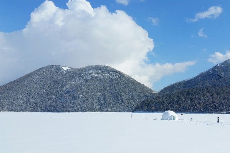 Sapporo to Lake Shikaribetsu igloo village visit. Backpacking Hokkaido Japan winter