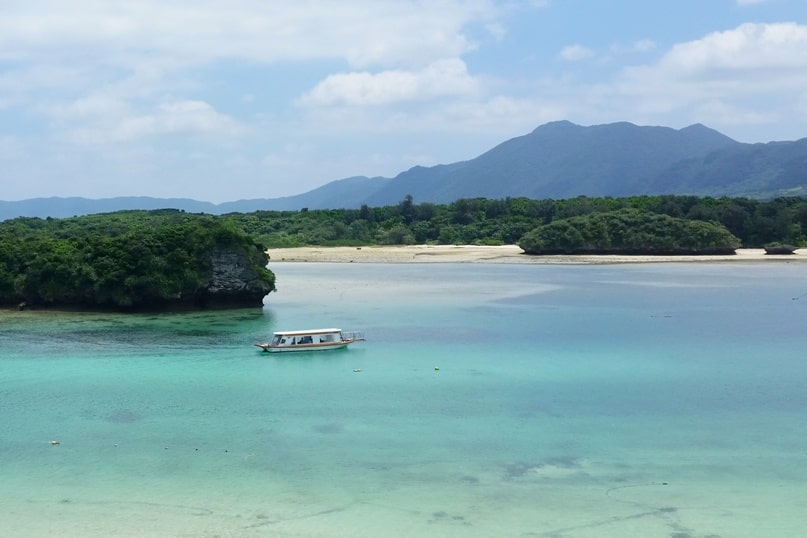 Backpacking Ishigaki Okinawa travel guide: Best things to do in Ishigaki - kabira bay glass bottom boat ride. Japan