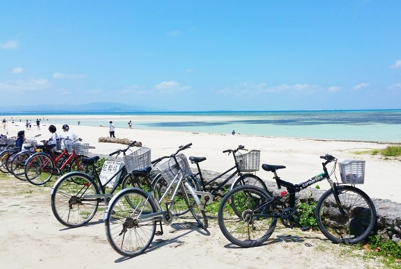 Backpacking Ishigaki Okinawa travel guide: Taketomi island day trip - bicycle rental at kondoi beach. Japan