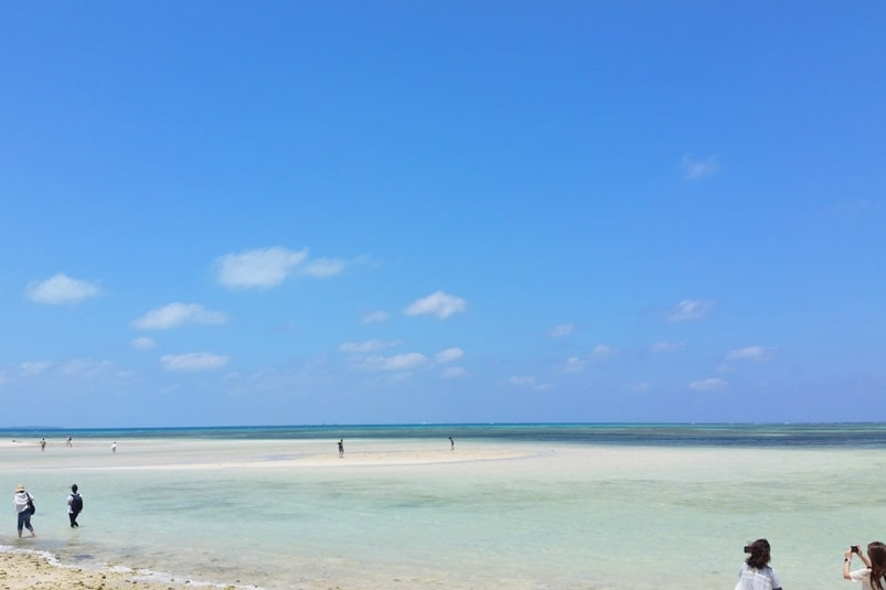 Backpacking Ishigaki Okinawa travel guide: Taketomi island day trip - kondoi beach. Japan