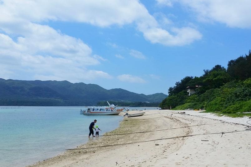Kabira Bay beach - no swimming. what's the beach like. Backpacking Ishigaki Okinawa Japan