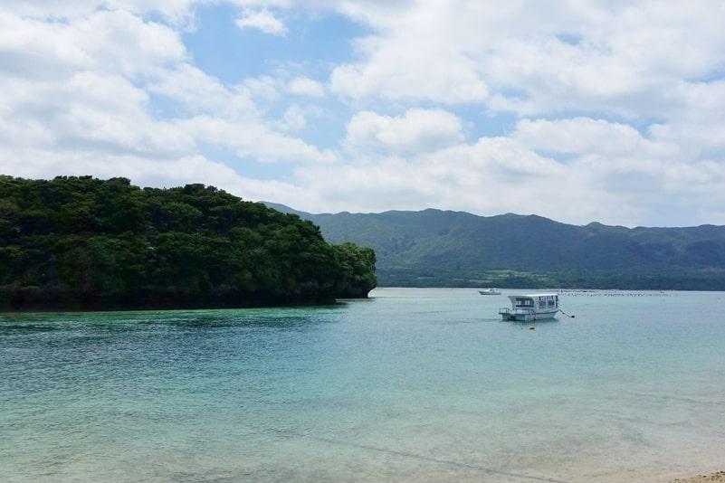 Kabira Bay beach views. Backpacking Ishigaki Okinawa Japan
