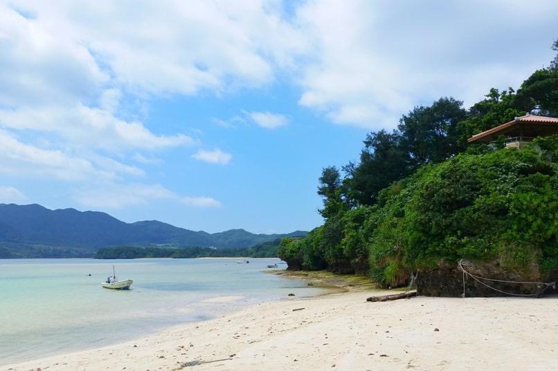 Kabira Bay beach to Kabira park observation deck. Backpacking Ishigaki Okinawa Japan