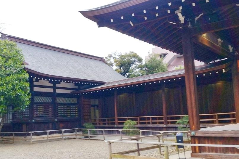 Yasukuni jinja shrine visit. places to visit in chiyoda. Backpacking Tokyo Japan