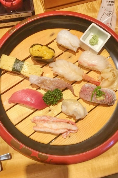 Cooking class in Japan. What Japanese food to learn how to make. sushi. Backpacking Japan travel blog