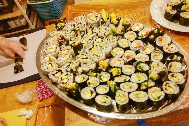 Cooking class in Japan. What Japanese food to learn how to make. tokyo. kyoto. osaka. hiroshima. nagano. sapporo hokkaido. okinawa. Backpacking Japan travel blog
