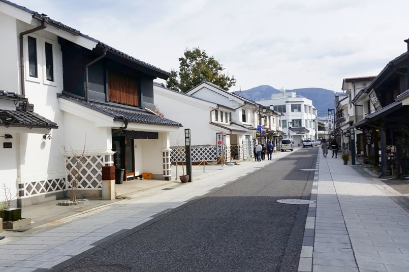 Nakamachi street on Matsumoto walking tour. Things to do in Matsumoto in one day. Places to visit in Nagano. Backpacking japan travel blog