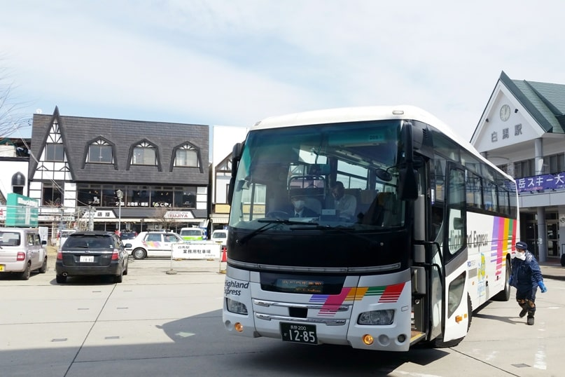 10 days in Japan winter itinerary. Getting around Japan. nagano to hakuba bus. Backpacking Japan winter travel blog
