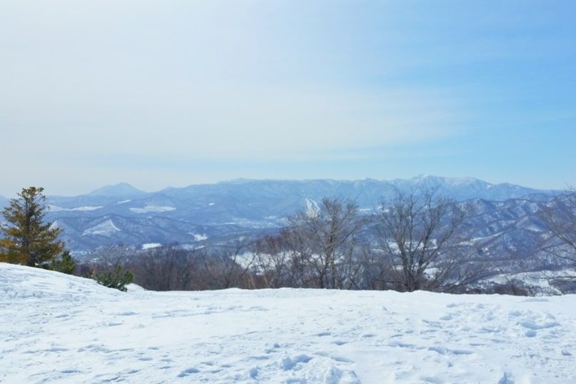 Hokkaido Japan winter itinerary with 7-day JR Hokkaido pass. sapporo winter hike. mount moiwa hiking trail to ropeway observation deck in winter. 5 days in Hokkaido. Backpacking Japan winter travel blog