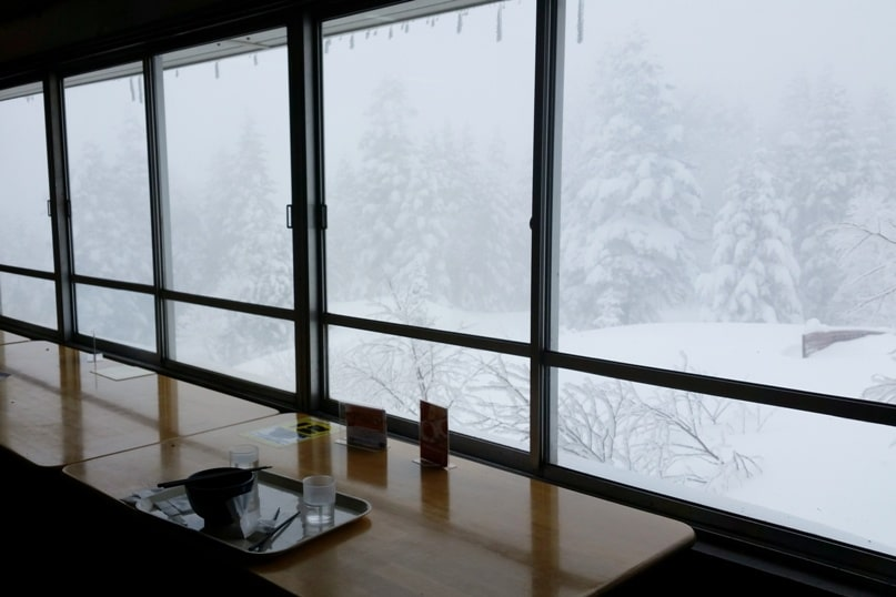 Best things to do in Japanese alps in winter in cloudy weather or bad weather. restaurant places to eat. Day trip from Takayama. Backpacking Japan winter travel blog